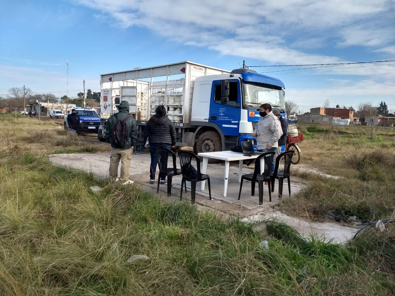Operativos del Programa Hogar en los barrios 18 de Julio y Los Hornos 23 de Moreno