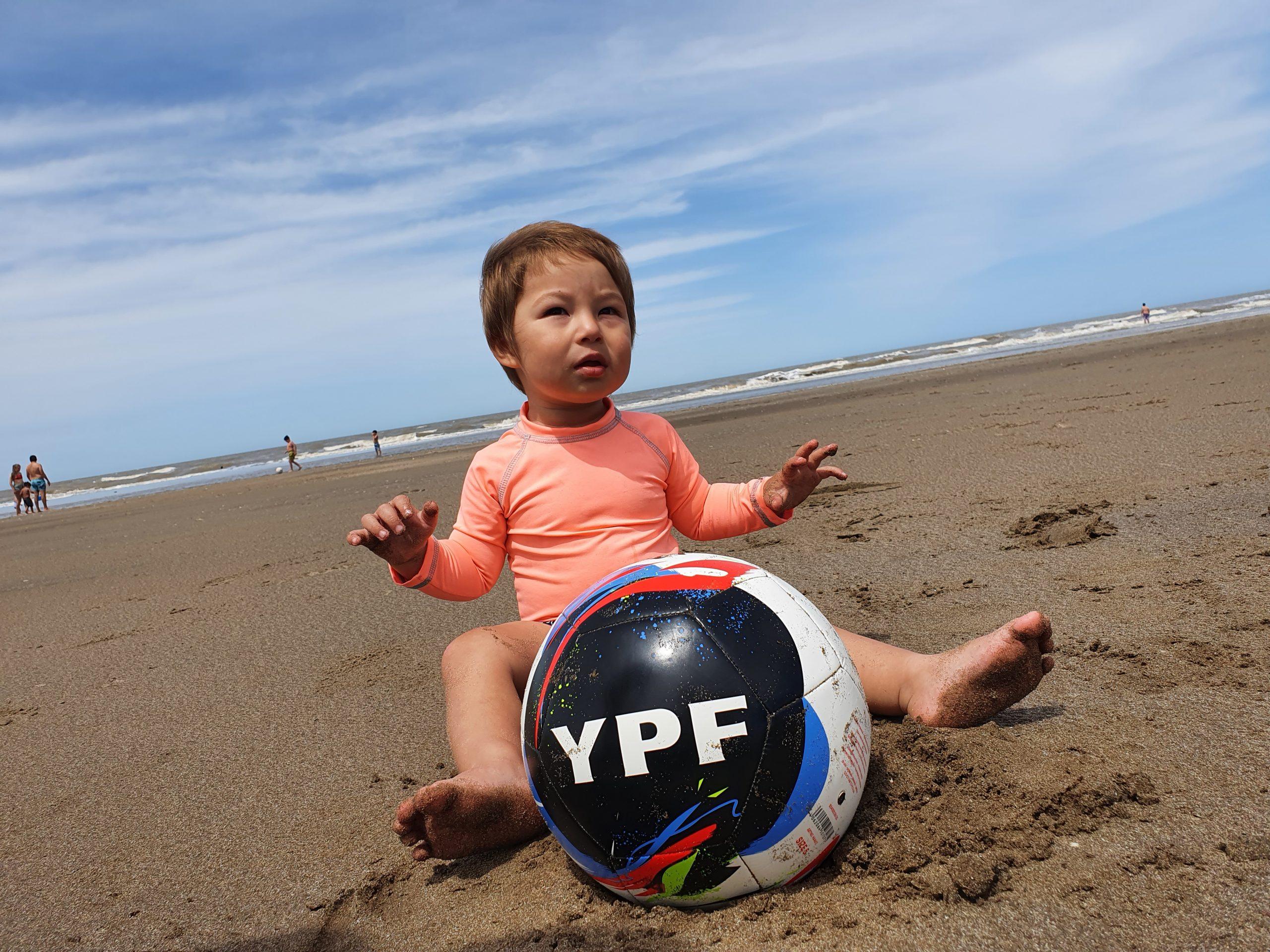 ¡A disfrutar el verano con la pelota YPF!