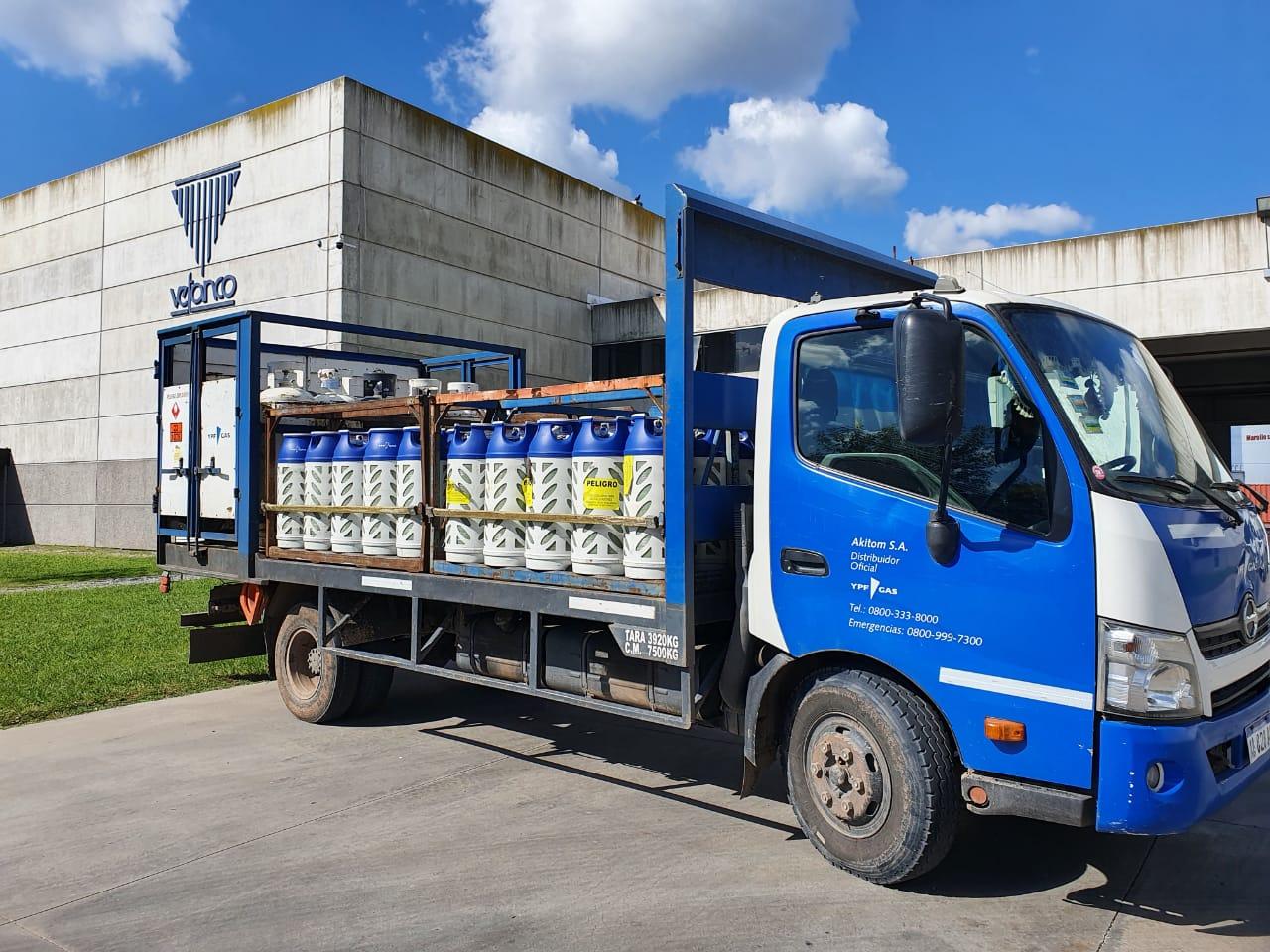 Primera entrega del Envase Liviano AM de 13,5 kg. para Autoelevador